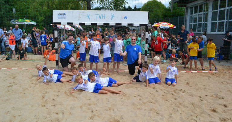 Minis Kahl on-tour: Nightball und Beachhandball