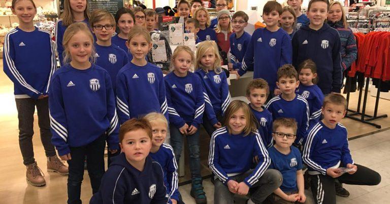 94er Jugend sammelt 600 € für benachteiligte Kinder ein
